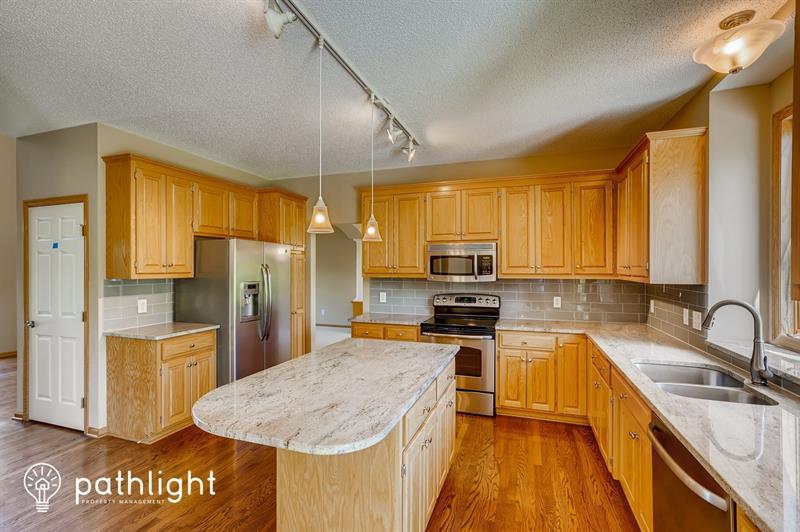 Photo of 16391 Holbrook Avenue, Lakeville, MN, 55044