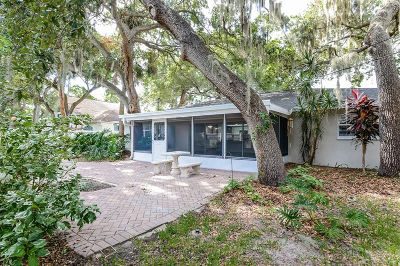 Photo of 3181 San Pedro St, Clearwater, FL, 33759