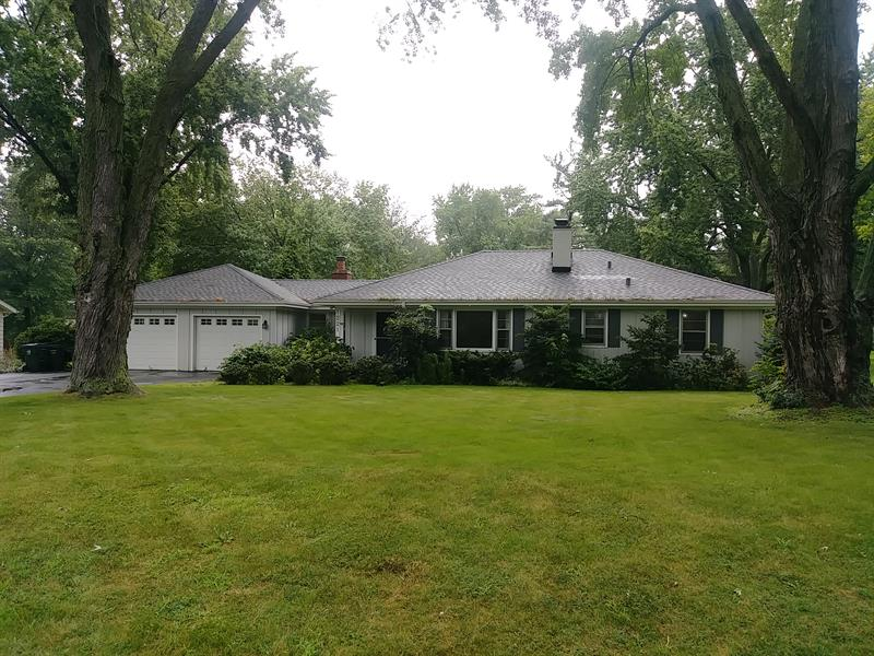 Photo of 1221 Oswego Rd, Naperville, IL 60540