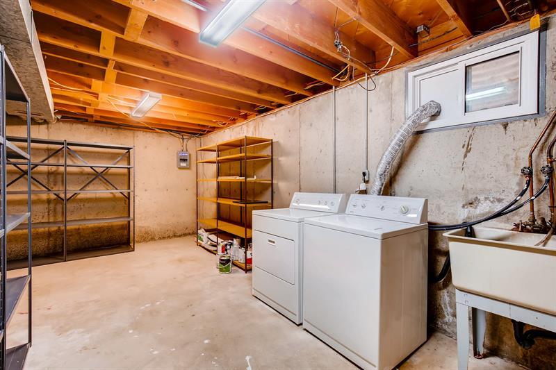 Photo of 984 S Vivian Court , Lakewood, CO, 80228