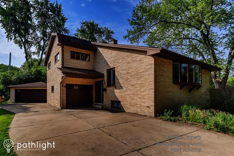 Photo of 224 Tanoak Lane, Naperville, IL, 60540