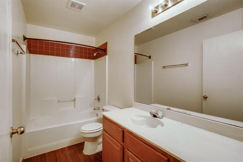 Photo of 1112 Miles Ave, Burleson, TX 76028