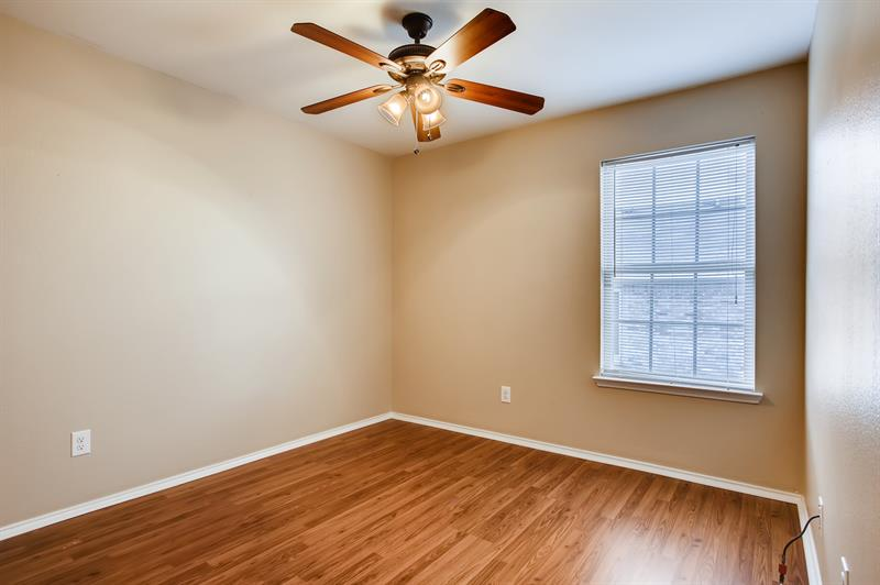 Photo of 1355 Hayes St, Cedar Hill, TX, 75104