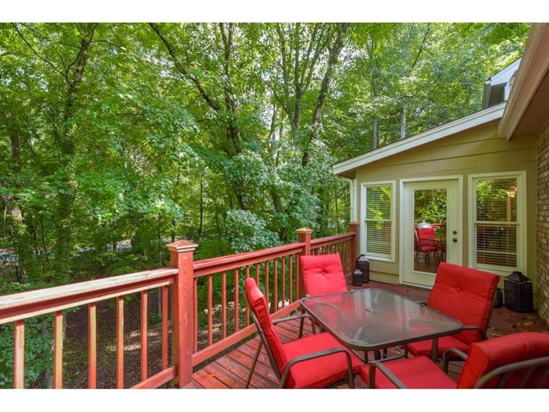 Photo of 9400 N Lake Dr, Roswell, GA, 30076