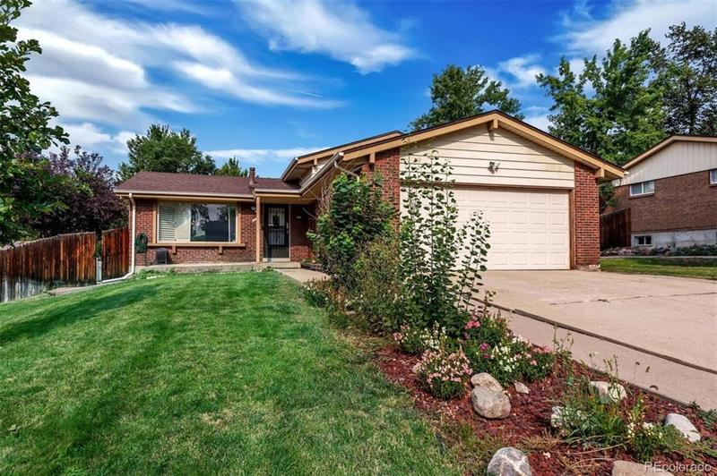 Photo of 8447 Yarrow Court, Arvada, CO, 80005