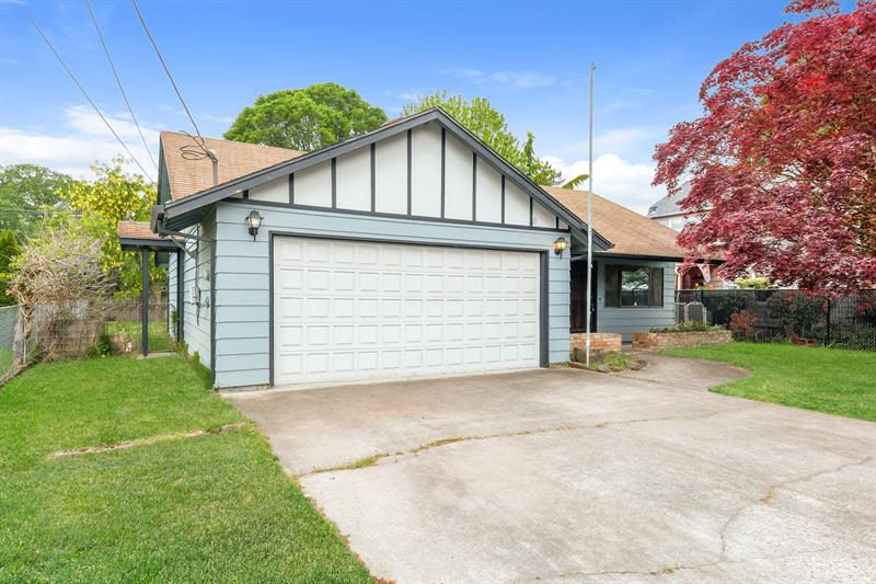 Photo of 415 South 17th Street, St. Helens, OR, 97051