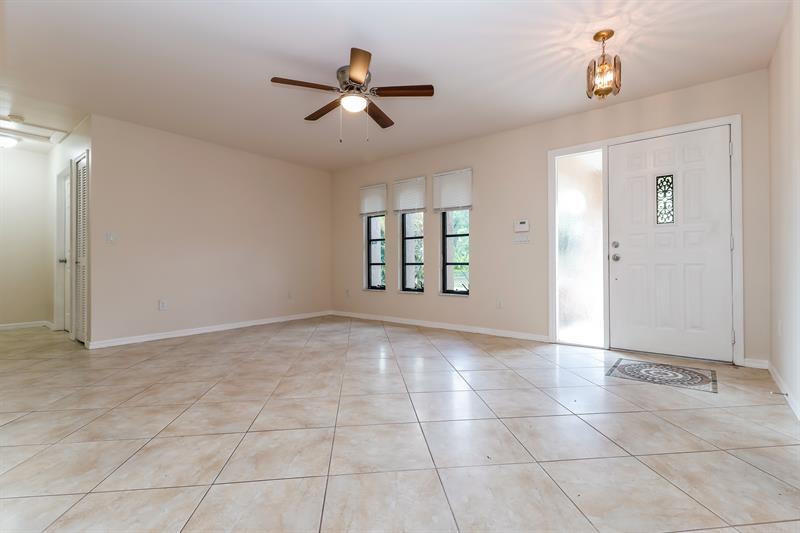 Photo of 201 NE 10th Ave, Cape Coral, FL 33909