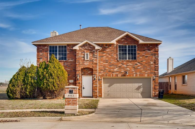 Photo of 8112 Adcock Ct, Fort Worth, TX 76137