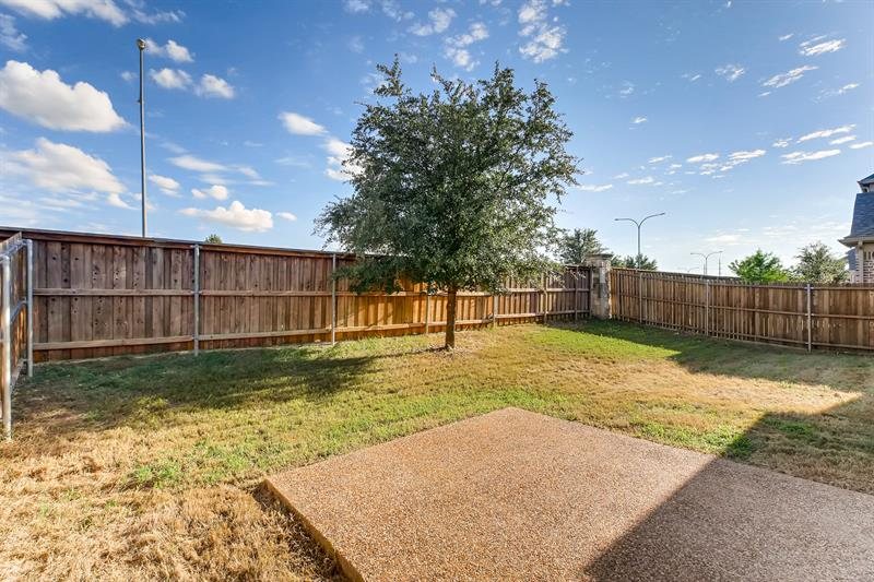 Photo of 15572 Yarberry Dr, Roanoke, TX, 76262