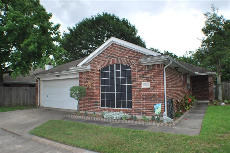 Photo of 10326 Emerald Oaks Drive, Houston, TX, 77070