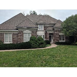 Home for rent in Leawood, KS