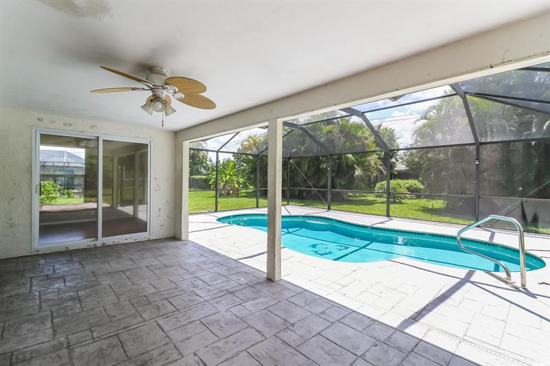 Photo of 342 SE 33rd Terrace, Cape Coral, FL 33904