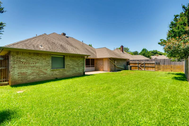 Photo of 1805 Rollingwood Court, Bedford, TX, 76021