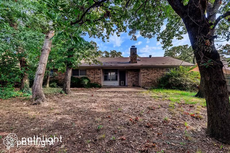 Photo of 5510 Ivy Hill Dr, Arlington, TX, 76016