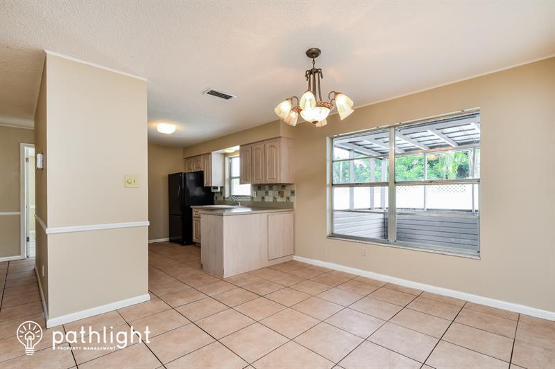 Photo of 631 SE 34th St, Cape Coral, FL, 33904