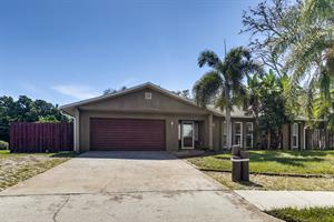 Home for rent in Tarpon Springs, FL