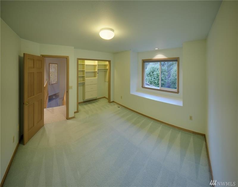 Photo of 6005 75th Ave Ct W, University Place, WA, 98467