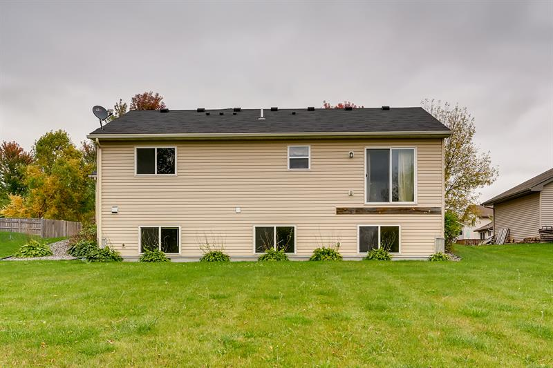 Photo of 515 Emerson Ave N, Montrose, MN 55363