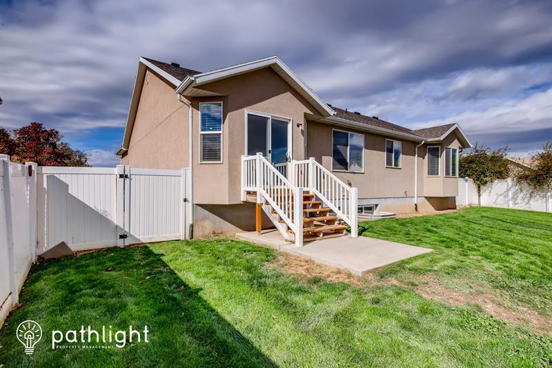 Photo of 1065 South 1650 East, Clearfield, UT, 84015