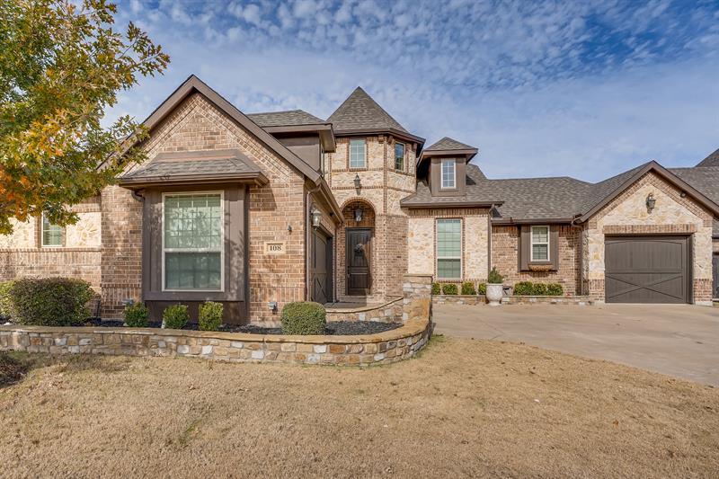 Photo of 108 McKinley Drive, Burleson, TX, 76028