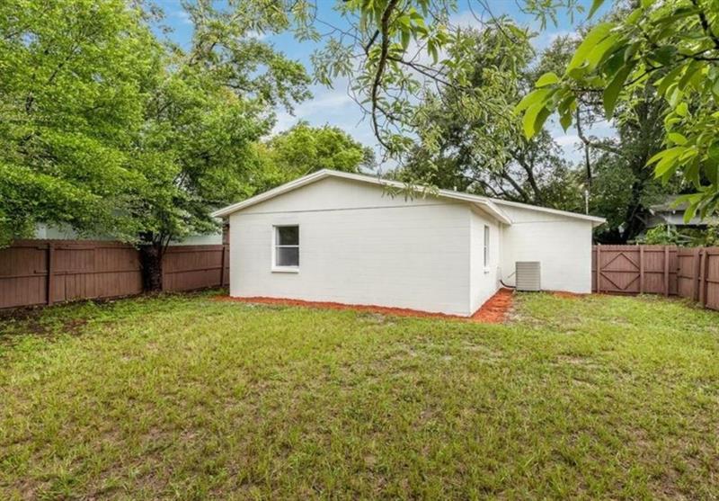 Photo of 210 E Selma Ave, Tampa, FL, 33603