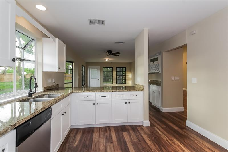 Photo of 1576 Beechwood Trail, Fort Myers, FL, 33919