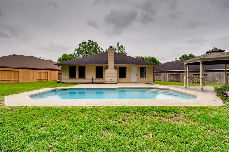 Photo of 2306 Hunter Park Ct, Conroe, TX, 77385