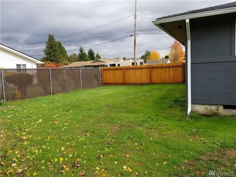 Photo of 908 13th St NW, Puyallup, WA, 98371
