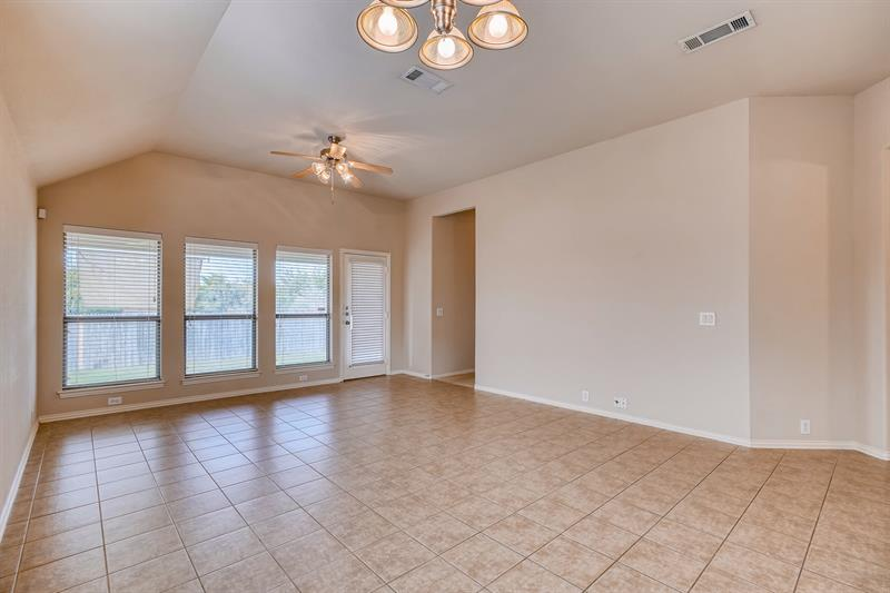 Photo of 812 Cutting Horse Drive, Mansfield, TX, 76063