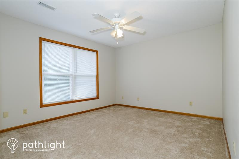 Photo of 13303 Redwood Ln, Smithville, MO, 64089