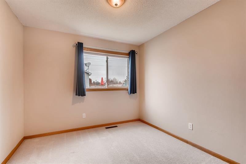Photo of 2831 Carver Park Cir, Woodbury, MN, 55125