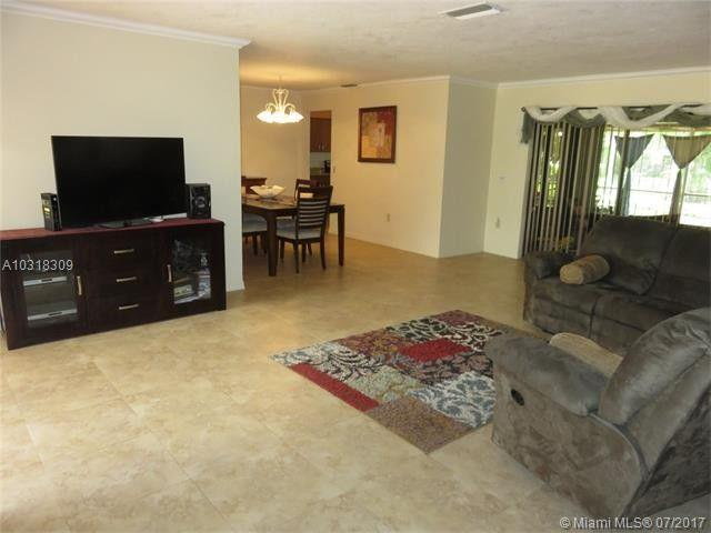 Photo of 9320 NW 13th St, Pembroke Pines, FL, 33024