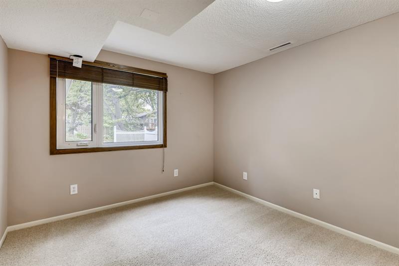 Photo of 11315 Lanewood Cir, Eden Prairie, MN, 55344