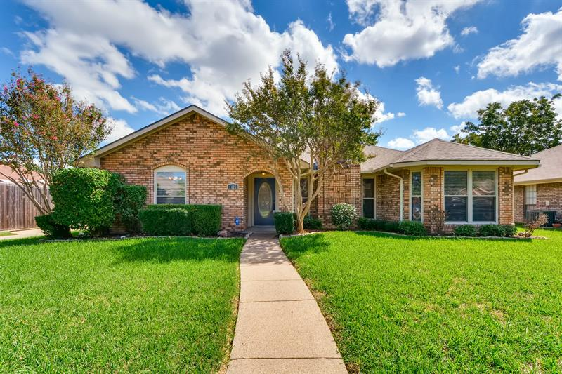 Photo of 1426 Buena Vista Ave, Garland, TX, 75043