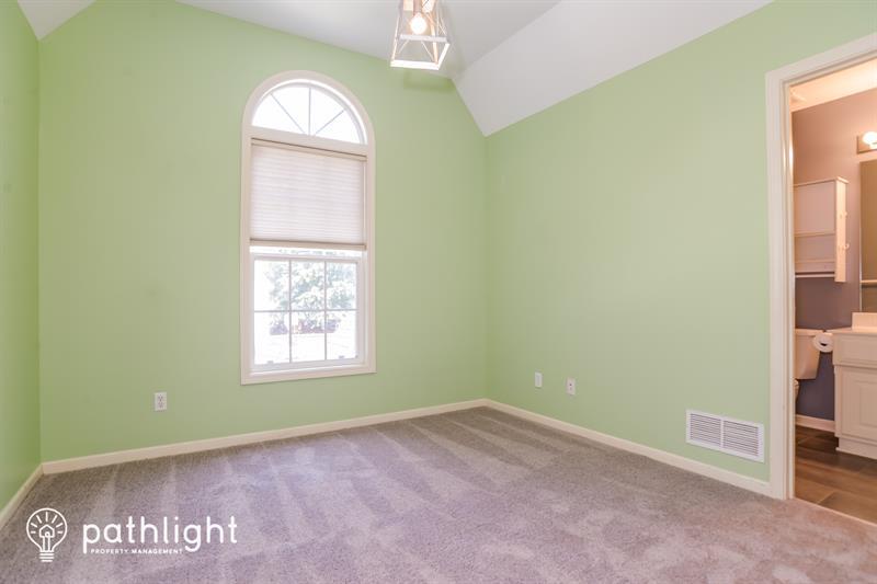 Photo of 1172 White Oak Lane, Liberty, MO, 64068