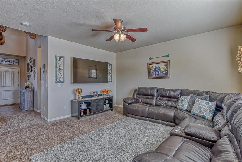 Photo of 10425 Declaration Dr, Colorado Springs, CO, 80925