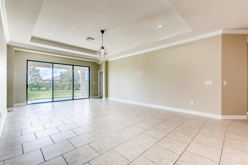 Photo of 752 Rosemary Circle, Bradenton, FL 34212