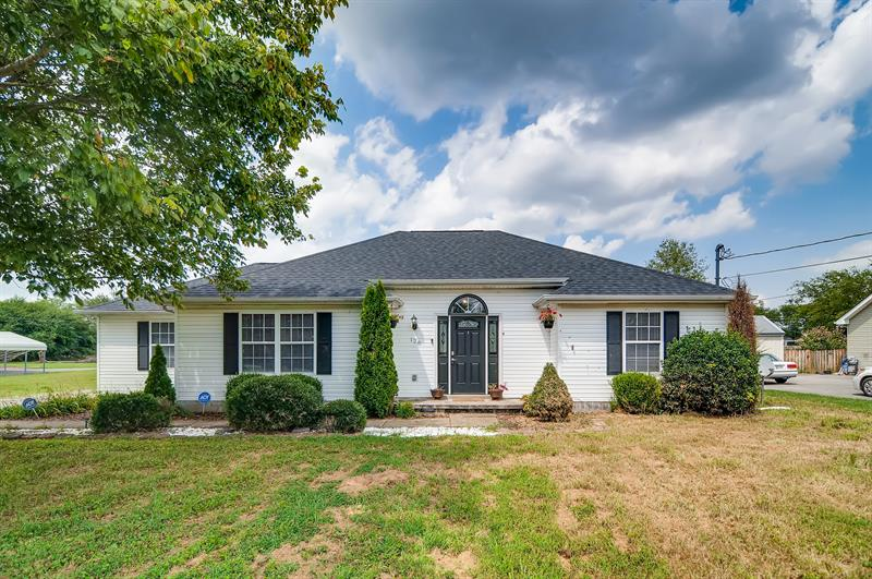 Photo of 128 Royal Garden Drive, Murfreesboro, TN, 37130