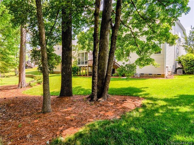 Photo of 427 Pinnacle Lane, Huntersville, NC, 28078