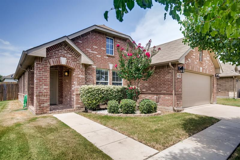 Photo of 10317 Fossil Valley Drive, Fort Worth, TX, 76131