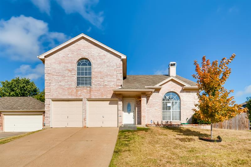Photo of 5901 Silverpoint Court, Arlington, TX, 76017
