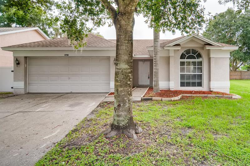 Photo of 4706 Stove Place, Valrico, FL 33596