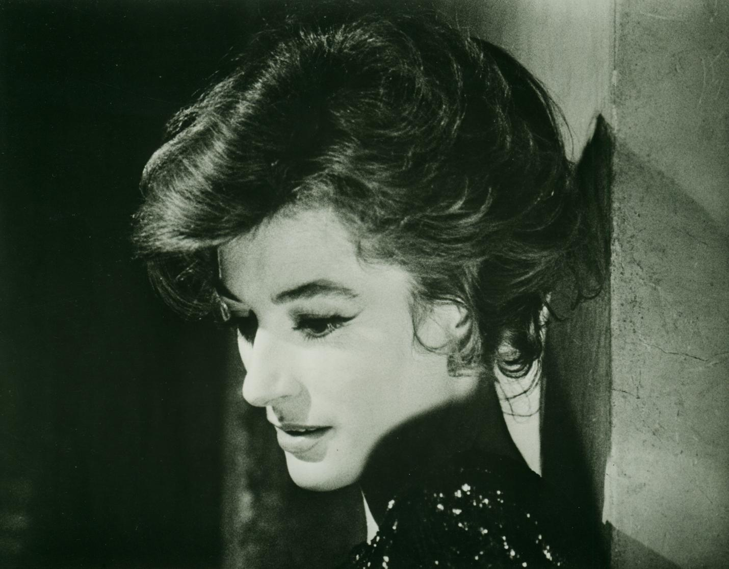 Anouk Aimée Photos hollywood poster auction - vintage movie posters