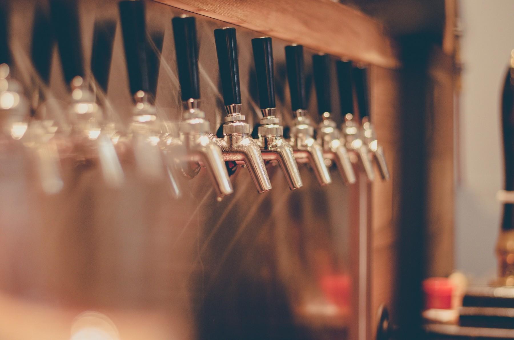 beer-tap-2435408_1920