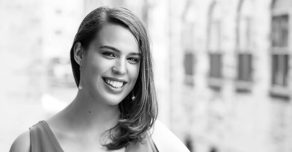 Hannah Headshot - Elena Santogade