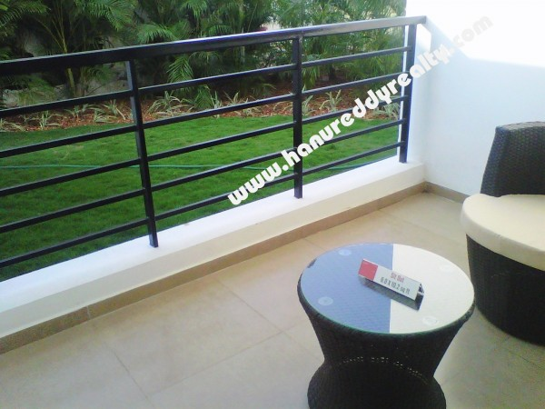 Flat for Sale on OMR