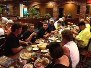 13-dinner-group-01