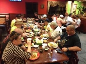 14-dinner-group-02