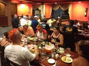 15-dinner-group-03