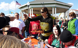 Peppers Wing Event Bee w wingsMR